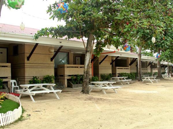 Bluefins resort lapu lapu comparez les offres for Chambre hotel lapu lapu