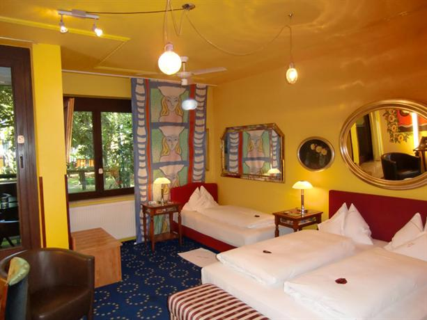 Design hotel eifel euskirchen compare deals for Euskirchen design hotel