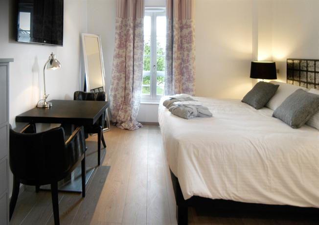 L 39 auberge de maison rouge vetraz monthoux compare deals for Auberge maison rouge annemasse