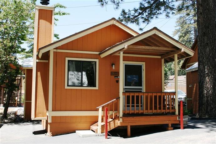 Sleepy hollow cabins and motel crestline offerte in corso for Cabin cabin in wisconsin dells con piscina all aperto