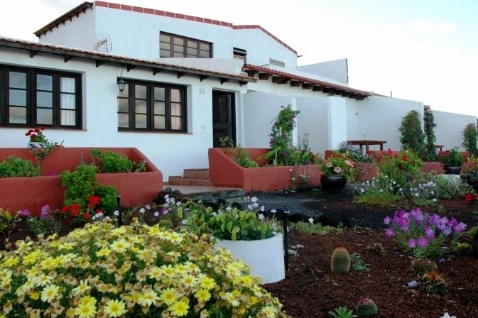 Villa marina apartamentos la caleta comparez les offres for Apartamentos hovima jardin caleta