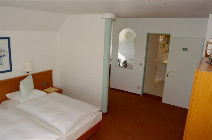 Hotel Schroder S Schone Aussicht Wilhelmshaven Compare Deals