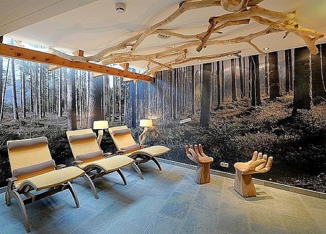 salzburger hof hotel leogang compare deals. Black Bedroom Furniture Sets. Home Design Ideas