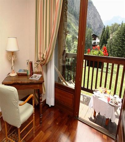 Auberge de la maison hotel courmayeur compare deals for Auberge de la maison courmayeur tripadvisor
