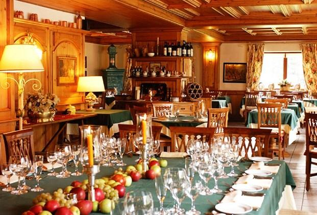 Auberge de la maison hotel courmayeur compare deals for Auberge la maison courmayeur