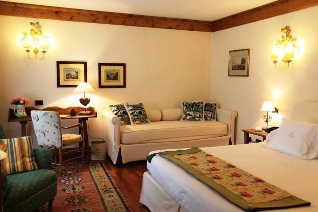 Auberge de la maison hotel courmayeur compare deals for Auberge de la maison courmayeur italy
