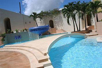 El dorado plaza hotel iquitos compare deals for Hoteles en iquitos con piscina