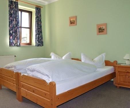 landhotel zur gr nen linde gro schirma die besten deals vergleichen. Black Bedroom Furniture Sets. Home Design Ideas