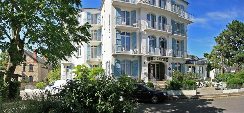 Hotel la concorde la baule escoublac compare deals for Hotels la baule