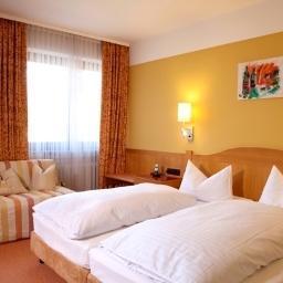 Frankenhof hotel h chberg comparez les offres for Design hotel franken