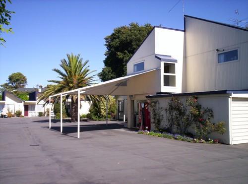 Diplomat Motel
