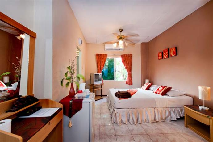 Phuket Guest Friendly Hotels - Karon Sunshine Guesthouse