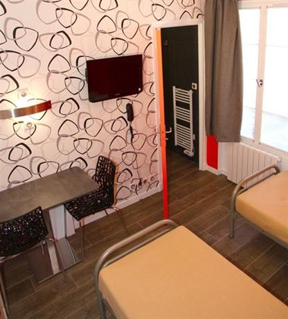the loft boutique hostel paris compare deals. Black Bedroom Furniture Sets. Home Design Ideas