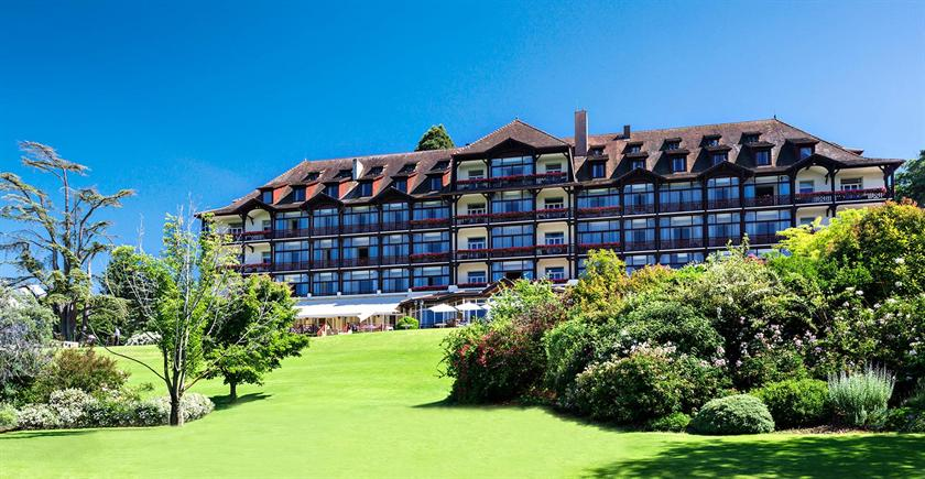 Hotel ermitage neuvecelle compare deals for Hotels evian