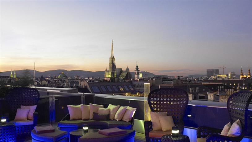 Luxury Hotels in Vienna: Ritz Carlton