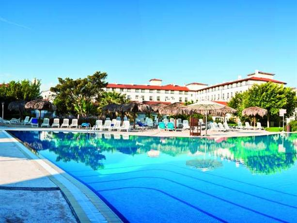 Portaventura r hotel el paso includes theme park tickets salou compare deals - Port aventura accommodation ...