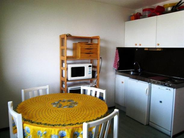 appartement balcon d 39 huez ii compare deals. Black Bedroom Furniture Sets. Home Design Ideas