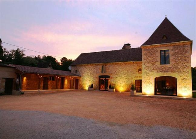 Chambres d 39 hotes les peyrouses sarlat la caneda compare for Chambre d hotes sarlat