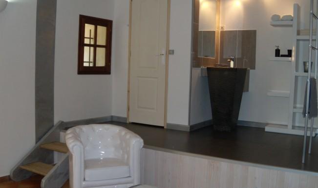 le mas aux aromes puget offerte in corso. Black Bedroom Furniture Sets. Home Design Ideas