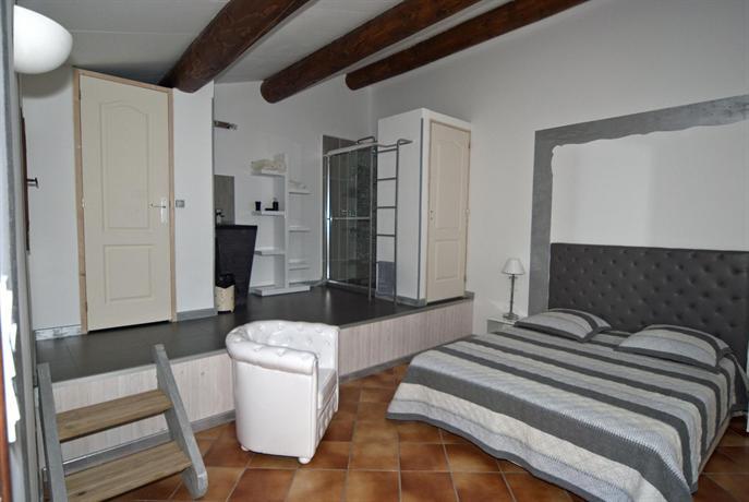 le mas aux aromes puget comparez les offres. Black Bedroom Furniture Sets. Home Design Ideas