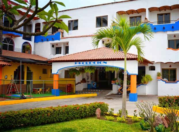 Hotel y suites mar y sol rincon de guayabitos compare deals for Hotel luxury rincon de guayabitos