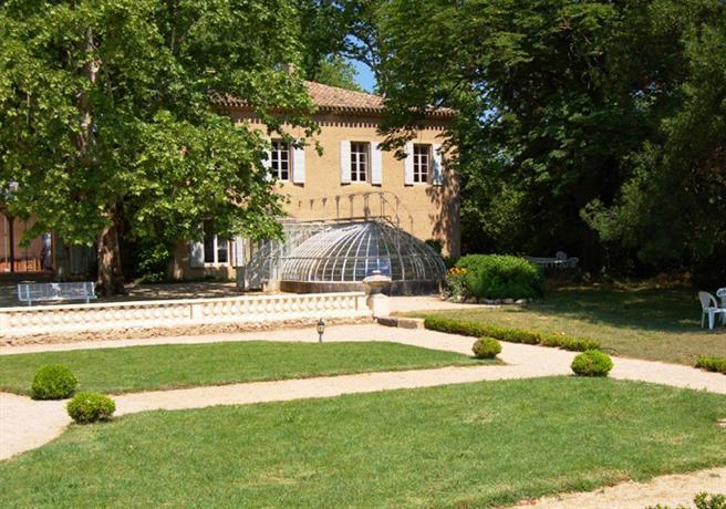 chateau de valmousse lambesc compare deals. Black Bedroom Furniture Sets. Home Design Ideas