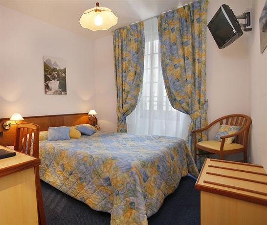 hotel st georges saint jean de maurienne compare deals. Black Bedroom Furniture Sets. Home Design Ideas