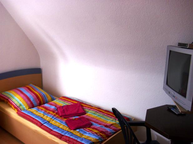 gastst tte graf zeppelin kornwestheim die g nstigsten angebote. Black Bedroom Furniture Sets. Home Design Ideas