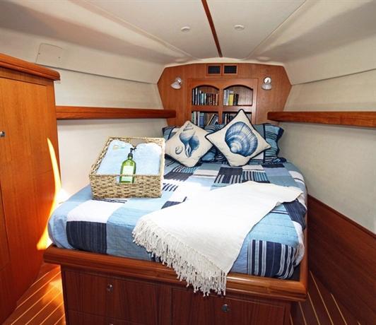 Narnie O' Shea Yacht Lodging