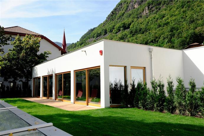 Hotel masatsch kaltern compare deals for Hotel kaltern