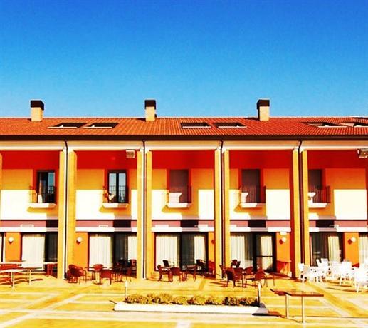 domus hotel bagnoli del trigno compare deals
