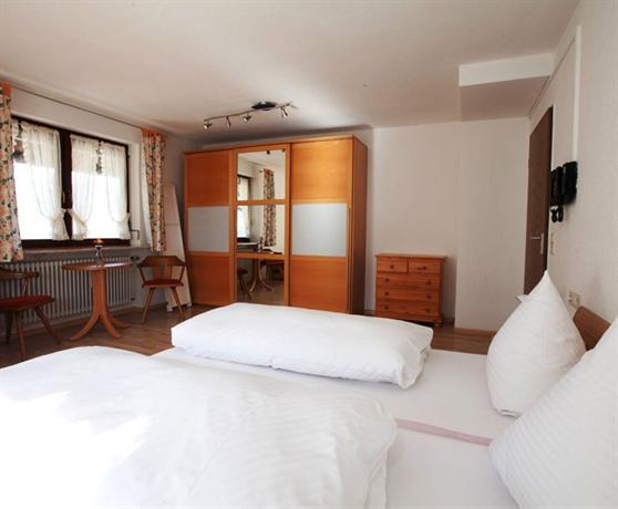 Www Gasthof Hotel Engel Simonswald De