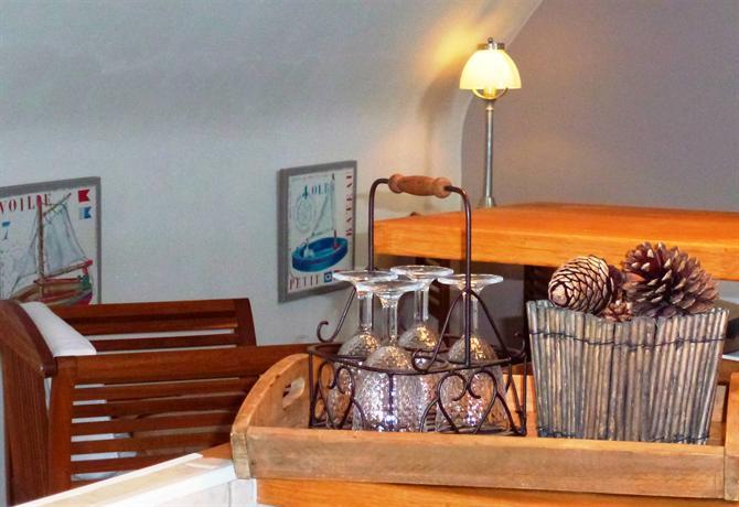 Chambre d 39 hote la maison de flore carnac compare deals for Chambre d hote brittany