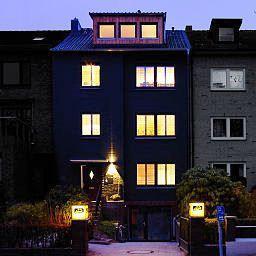 das kleine schwarze hamburg compare deals. Black Bedroom Furniture Sets. Home Design Ideas