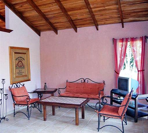 Poco Cielo Resort, Atenas - Compare Deals