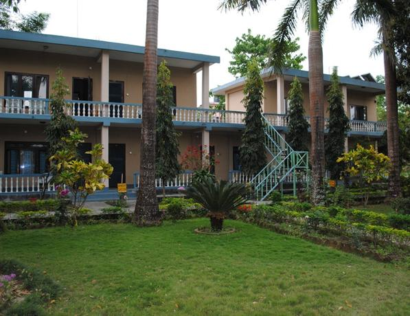Rhino Lodge and Hotel
