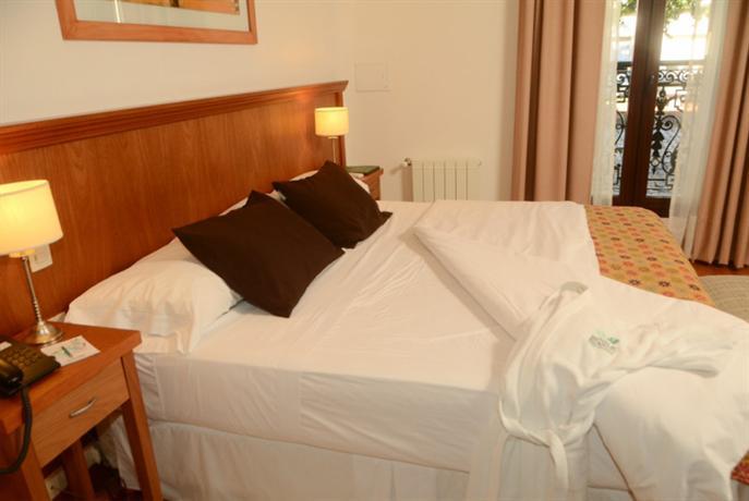 Hotel boutique roble blanco chascomus compare deals for Blanco hotel