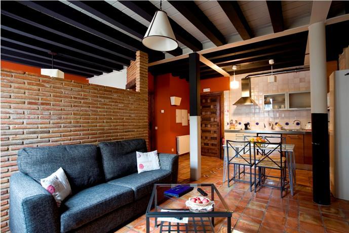 Apartamentos con encanto senorio de haro compare deals - Aparthotel con encanto ...