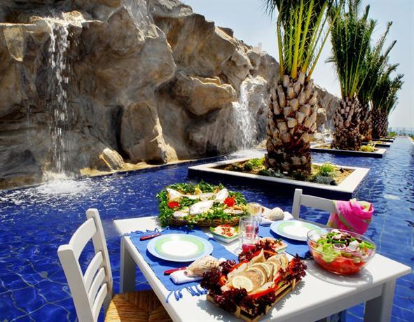 Kinetta Beach Hotel