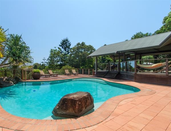 Byron este vacation rental ewingsdale confronta le offerte for Cabin cabin in wisconsin dells con piscina all aperto