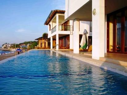 About Kahuna Beach Resort And Spa