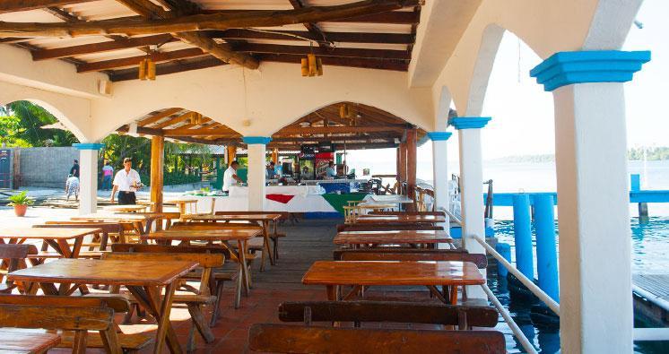 Bahia del sol hotel casino la herradura compare deals for Hotel del sol