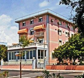 Happy Hotel Pietrasanta