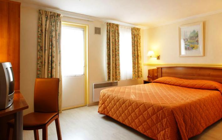 h tel le relais des chartreux saulx les chartreux comparez les offres. Black Bedroom Furniture Sets. Home Design Ideas