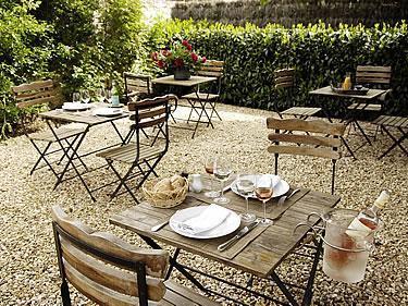 H tel auberge de la source saint ouen sur morin comparez for Auberge le jardin de la source