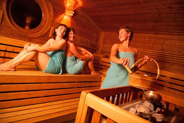 teen-girl-in-a-sauna