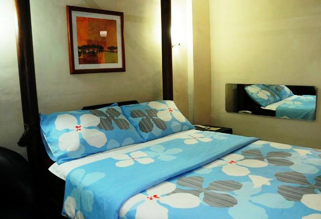 PROMO] 56% OFF Moda Mariposa Budget Hotel Anonas Manila