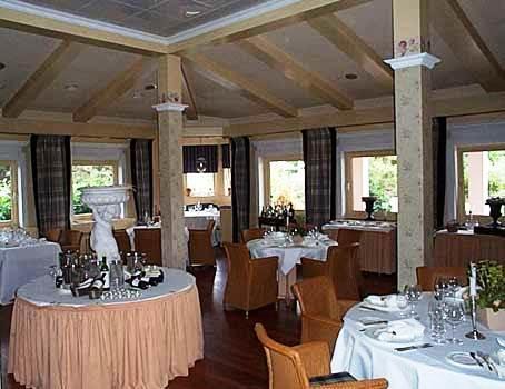 Hotel U Restaurant Quellenhof Karben