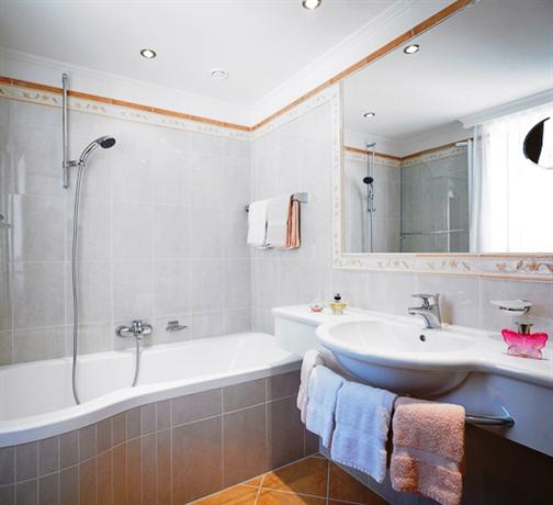 Lavendel Gastehaus Lech Am Arlberg  Compare Deals. Isrotel King Solomon Hotel. Park Hotel. Rocco Forte Hotel Abu Dhabi. Hotel Residenz Limburgerhof. Derwent Vista Holiday House. Lyons' Twin Mansions B And B And Spa. Grupotel Nilo & Spa Hotel. Hotel Haidenhof