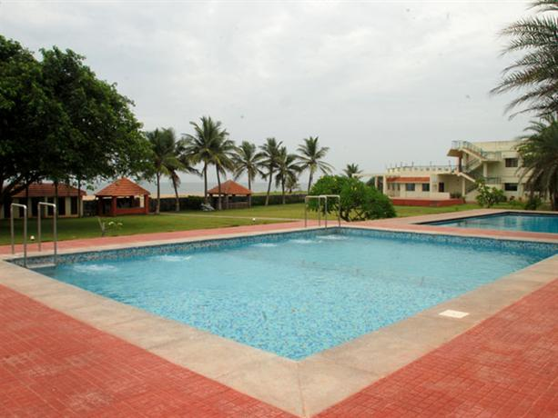 St james court beach resort pondicherry photos reviews deals for Best hotels in pondicherry with swimming pool